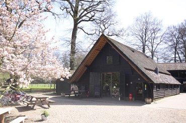 Geldersch landschap en kasteelen landgoed staverden for Boerderij te koop apeldoorn
