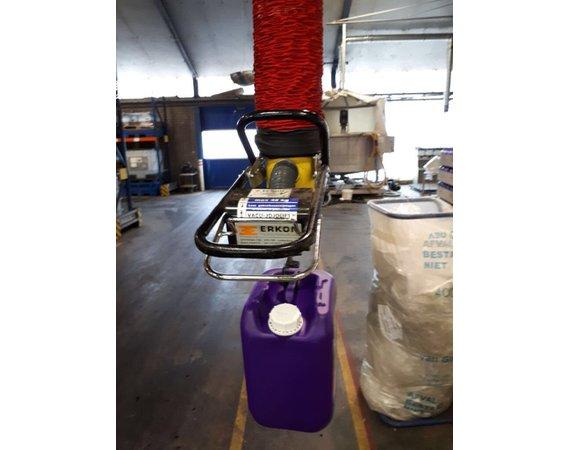 Vacuumheffer tilhulp voor jerrycans