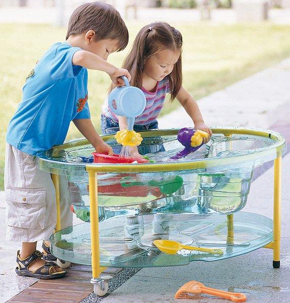 Sand-Wasser-Tisch