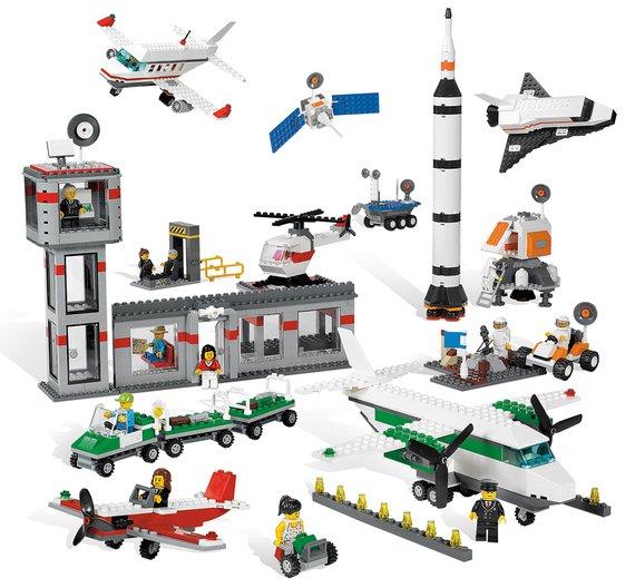 LegoWeltraum und Flughafen Set.