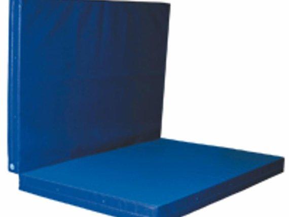 Weichbodenmatte, klappbar Diese platzsparende Matte lässt sich aufgeklappt auch als große Turnmatte oder Eckauspolsterung im Kindergarten benutzen.mit 4 Trageschlaufen Maße aufgeklappt