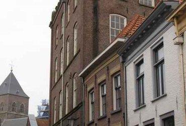 Schoolgebouw van Heutszkazerne Kampen