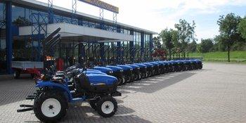 19 TC24 tractoren voor vd Grift & zn