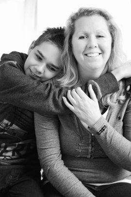 Foto van Claudette met haar jongste zoon