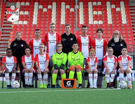 Teamfoto FC Emmen Bijzondere Eredivisie