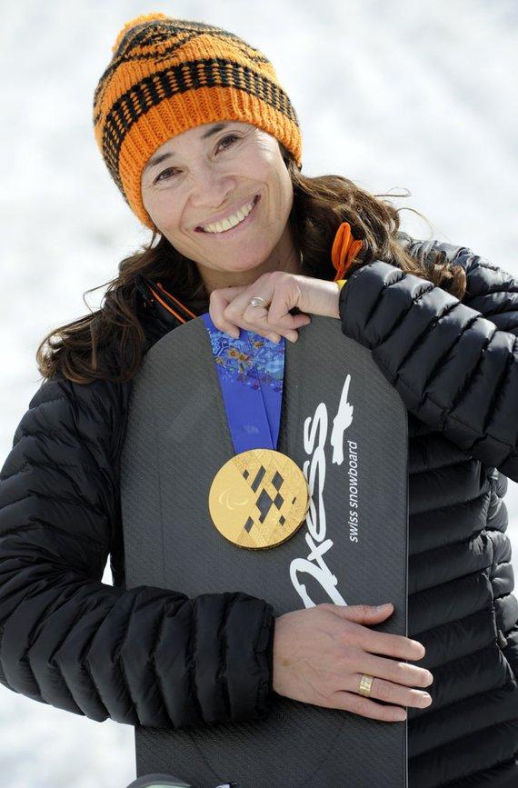 Bibian Mentel met snowboard